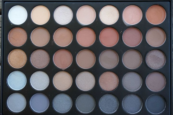 MORPHE-Brushes-35k-eyeshadow-palette-full-review-and-swatches.jpg