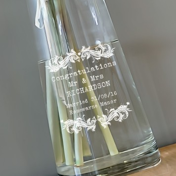 vintage-design-personalised-waisted-vase-13671-2